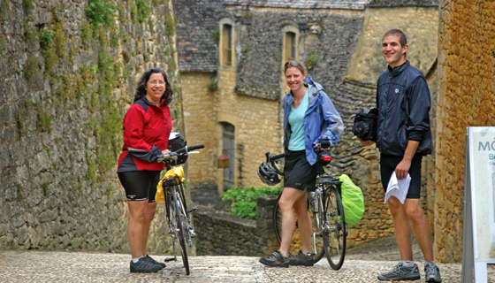 Dordogne & Bordeaux Biking Tour